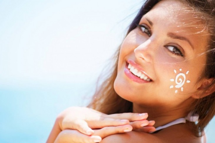 Puderi sa zastitnim faktorom – zastita od sunca i savršeni make-up