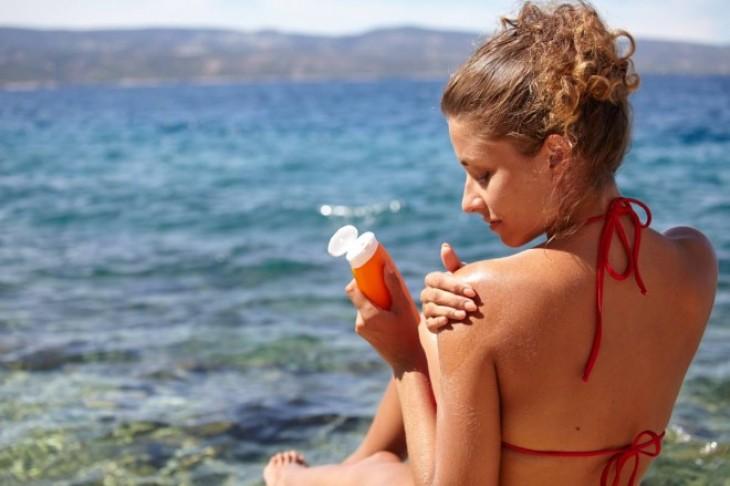 Topikalna zaštita od sunca za masnu i mešovitu kožu
