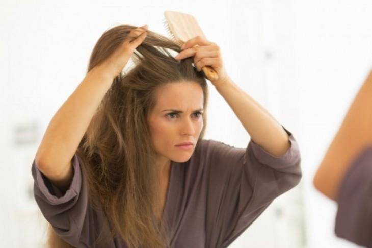 Upomoć – pojavila se perut uz pojačano opadanje kose